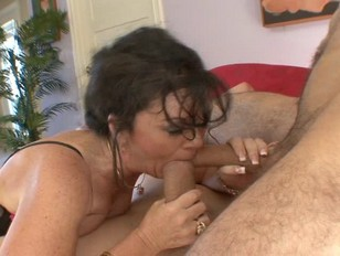 Soccer Mom Stuffs Her Big Fat Mouth