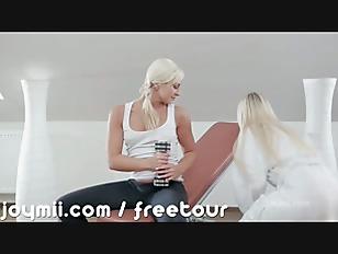 Dido Angel Makes Her Girlfriend Cum