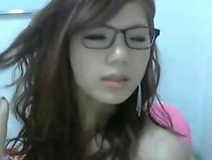 Hot Chinese Webcam Slut